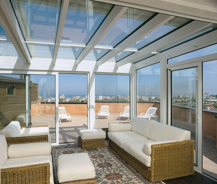 verande-balconi-come-scegliere-le-coperture-dei-balconi_NG2